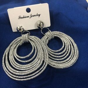 Jewelry - BNWT silvertone statement earrings